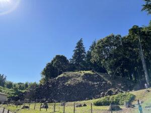 石垣山一夜城の二の丸と本城曲輪の石垣