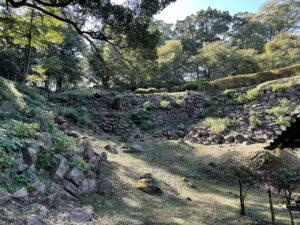 石垣山一夜城の井戸曲輪
